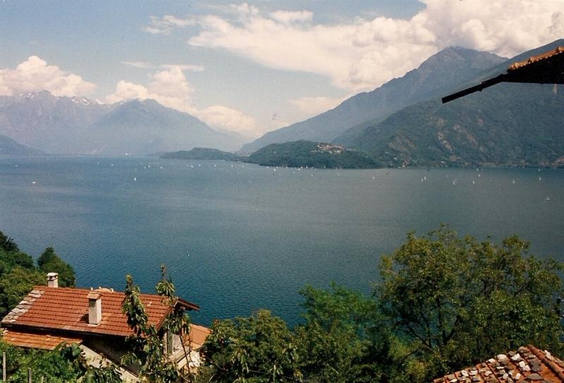 Case vacanza e appartamenti in affitto sul lago di como for Casetta sul lago
